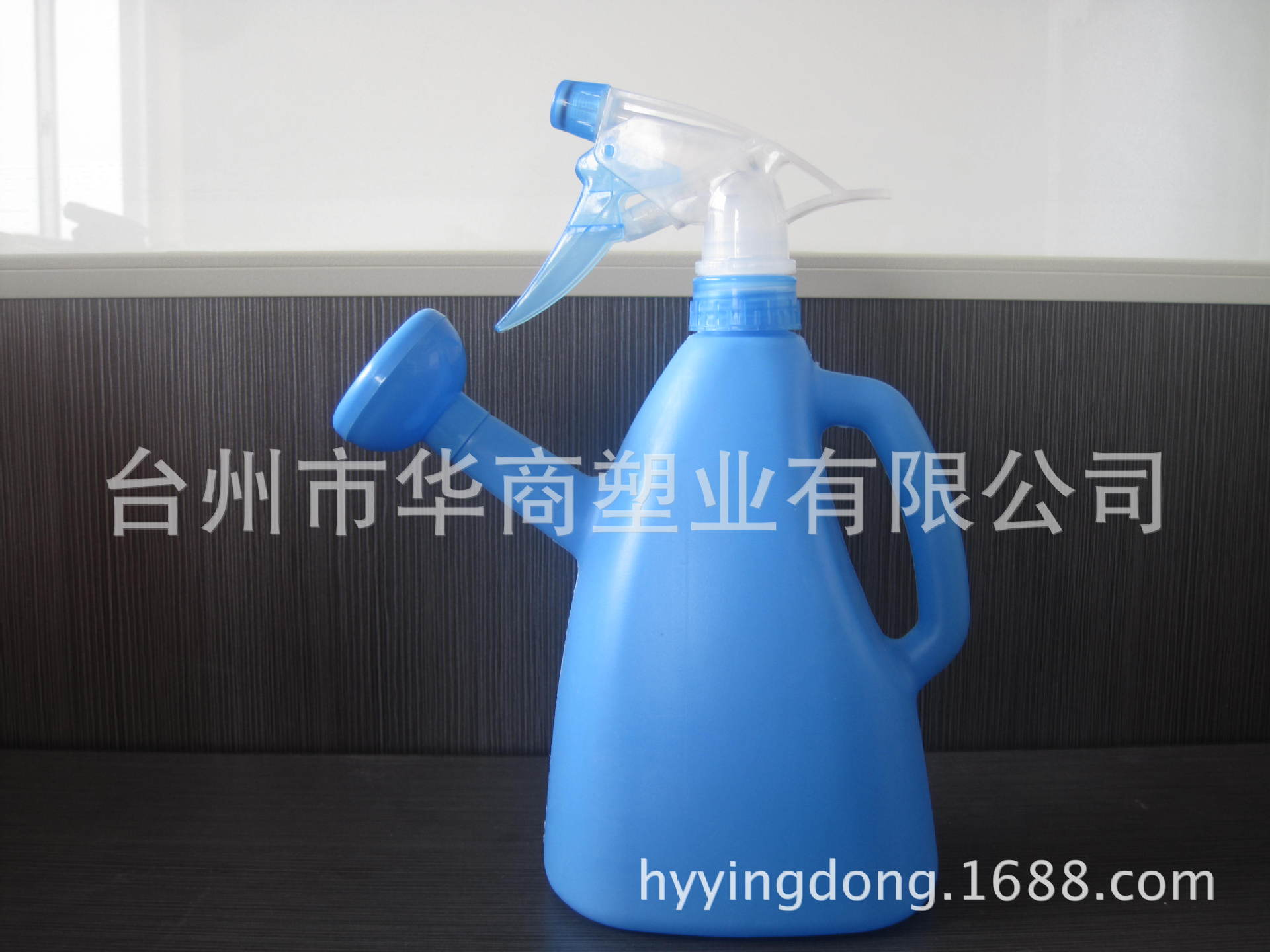 产品信息-灌溉工具 实用经济便携塑料带洒水壶嘴,浇花壶,喷壶,多