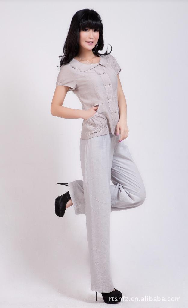 春夏季时尚淑女简约短袖不对称翻领双排扣女衬衫 优惠价