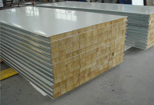 批量供应 优质彩钢岩棉夹芯板 50mm厚 厂家直销