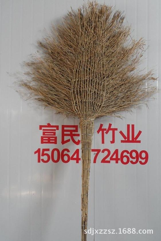 山东嘉祥厂家直销年产500万把连体竹扫把、竹扫帚。