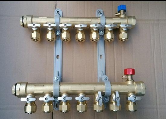 分水器支架 塑料支架 新型材料地暖连接件 暖通产品配件图片