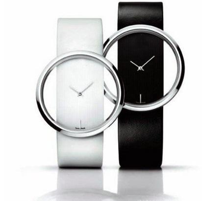 Đồng hồ trong suốt thời trang