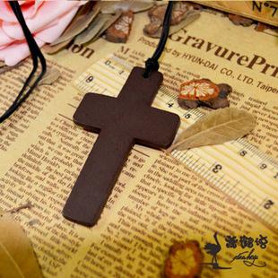 明星同款 木头十字架皮绳项链 长款木十字毛衣链 十字架毛衣链