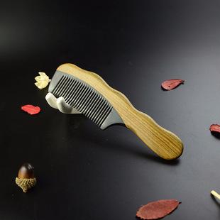 厂家批发供应  绿檀木牛角梳 天然 绿檀角木梳 美发梳子